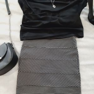 5/$25🎉 Gray and Black Striped Mini Skirt